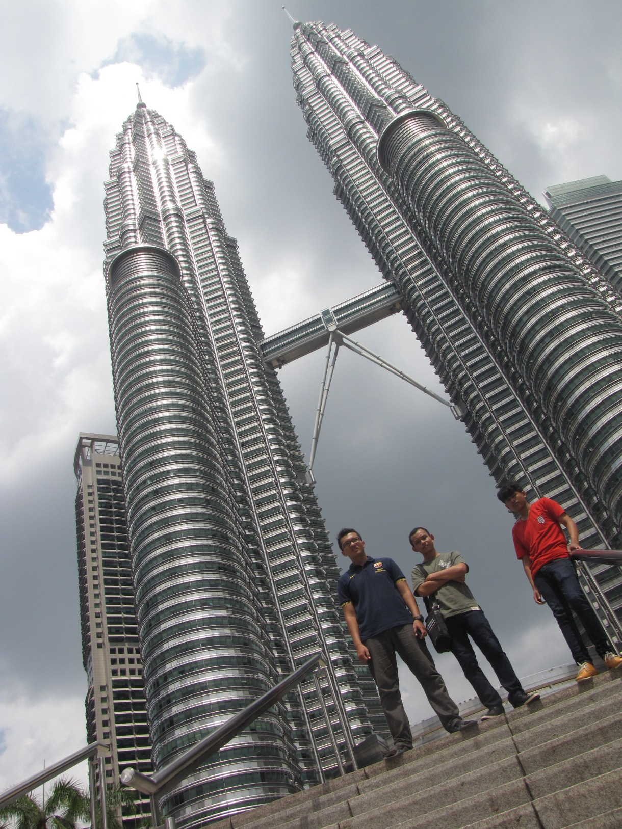 5 Tempat Liburan di Kuala Lumpur Malaysia Ala Backpacker Biaya Murah on
